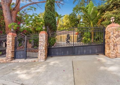 11735 Woodley Ave - Front Gate