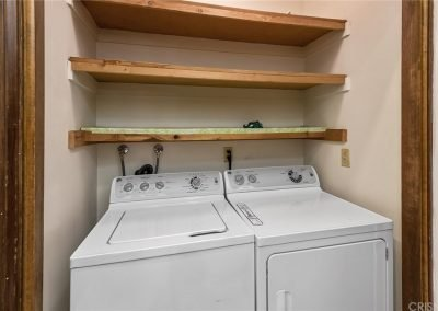 5534 Encino Ave - Laundry Room